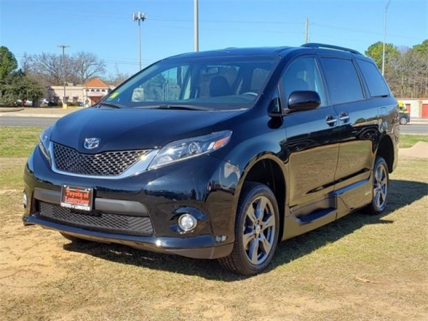 2017 Toyota Sienna  Choose
