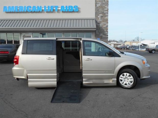 photo of 2015 Dodge Grand Caravan Passenger Avp Minivan 4d