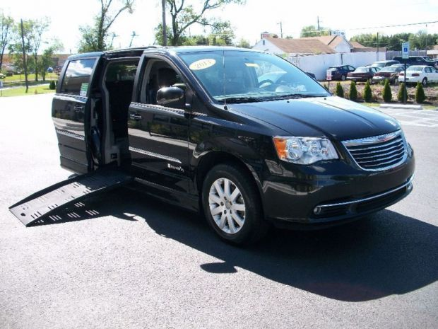 2013 Chrysler Town And Country Touring  Braunability
