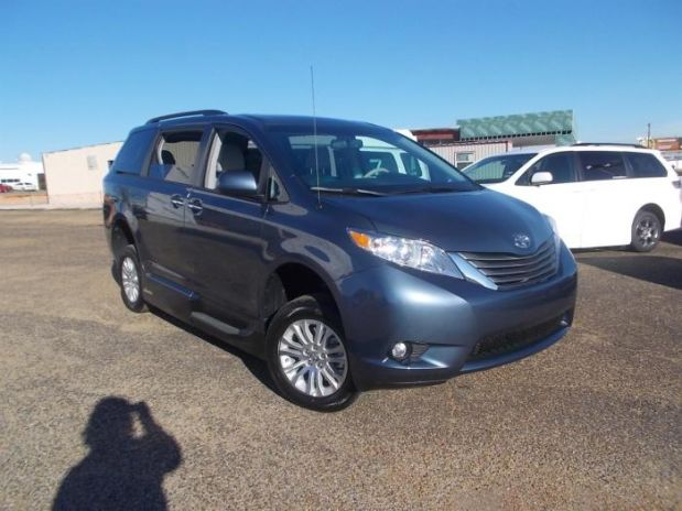 Toyota Sienna Budget Car Rental