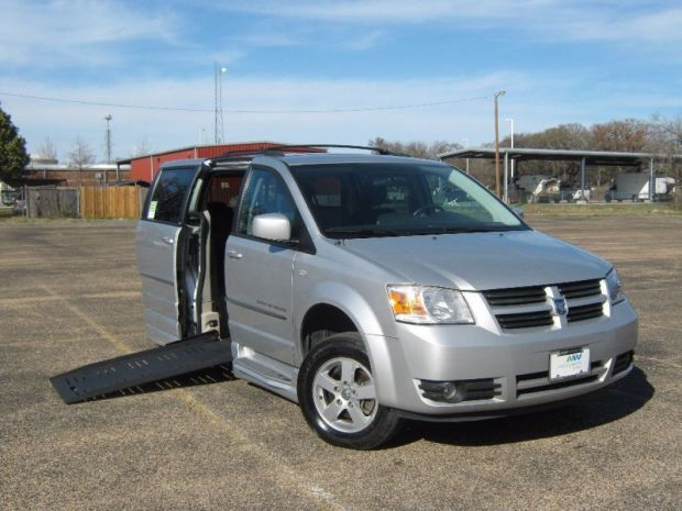 photo of 2010 Dodge Grand Caravan Sxt Braun Xt Braunability