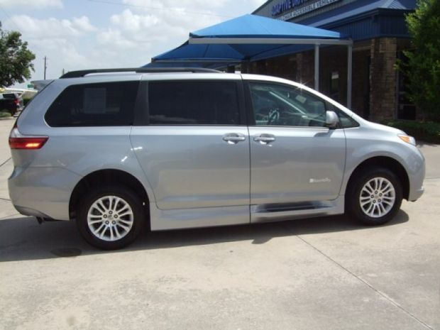 for sale texas pasadena 2015 new toyota sienna xle accessible vehicle wheelchair vans. Black Bedroom Furniture Sets. Home Design Ideas