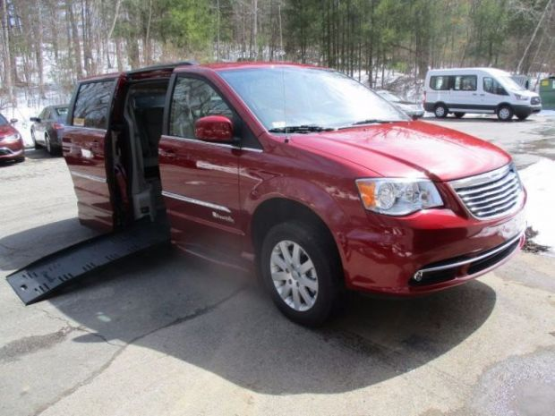 2015 Chrysler Town And Country Touring  Braunability