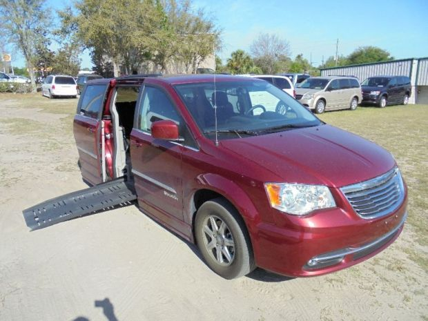 2012 Chrysler Town And Country Touring  Braunability