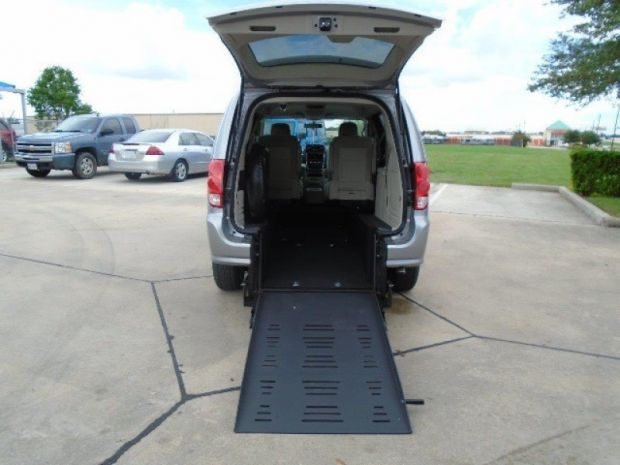 photo of 2016 Dodge Grand Caravan Se Braunability Companionvan Re Braunability