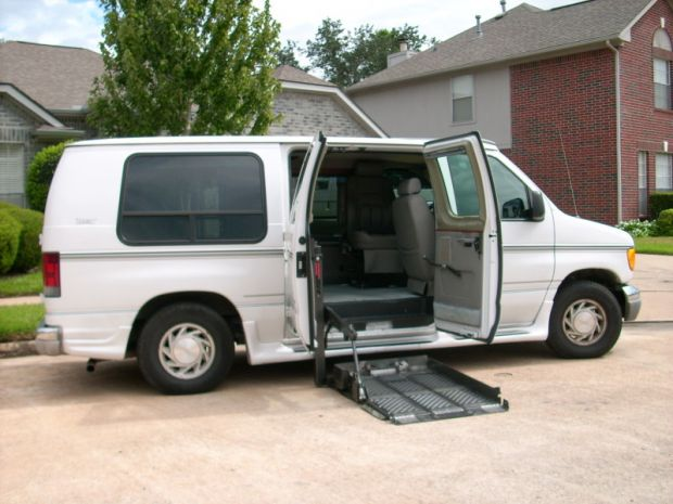 2003  Ford  E 150    Full Size Van
