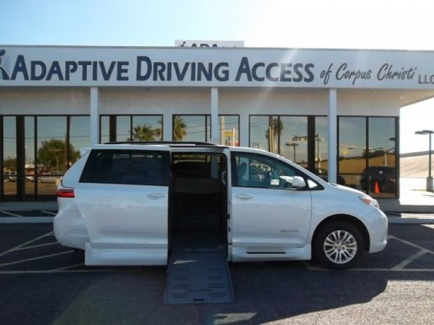 photo of 2016 Toyota Sienna Xle Braunability Xt (extra Tall) Braunability