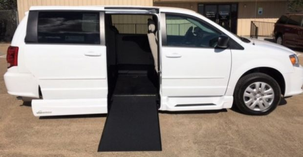 photo of 2016 Dodge Grand Caravan Se Vmi Northstar (infloor) Vmi