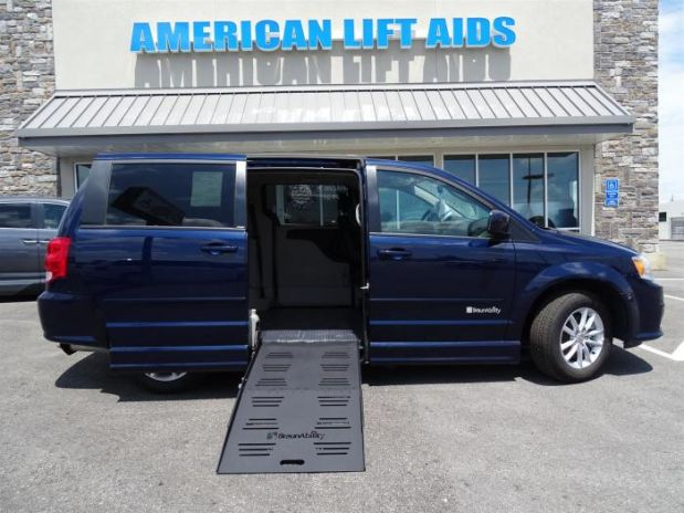 photo of 2014 Dodge Grand Caravan Passenger Sxt Minivan 4d
