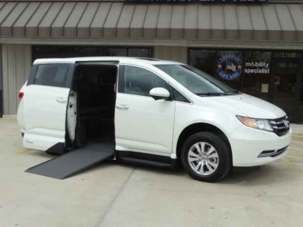 photo of 2015 Honda Odyssey Ex-l Minivan 4d Adaptive Mobility Systems