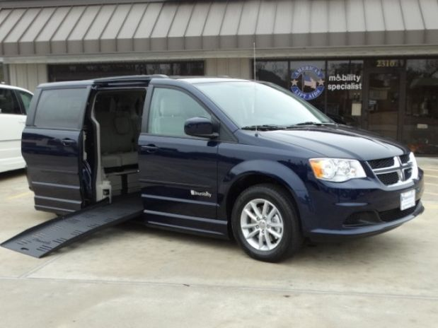 photo of 2015 Dodge Grand Caravan Passenger Sxt Minivan 4d Adaptive Mobility Systems
