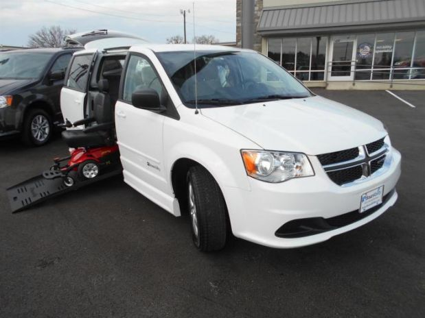 for sale texas tyler 2013 new dodge grand caravan passenger wheelchair van wheelchair vans. Black Bedroom Furniture Sets. Home Design Ideas