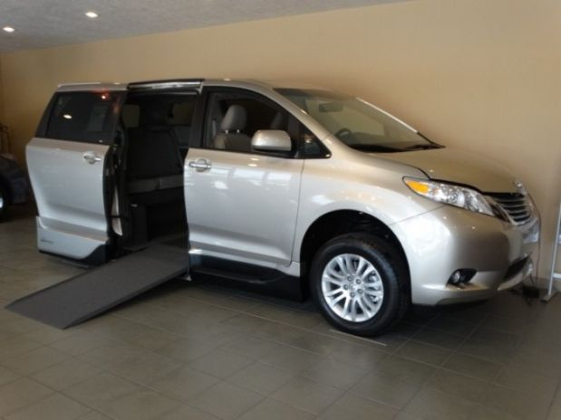 photo of 2015 Toyota Sienna Xle Premium Minivan 4d Adaptive Mobility Systems