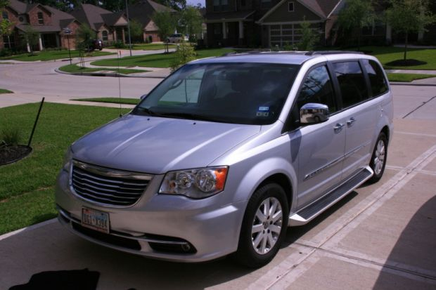 for sale texas sealy 2011 used chrysler town and country limited mobility vehicle wheelchair. Black Bedroom Furniture Sets. Home Design Ideas