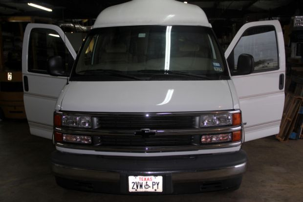 Wheelchair Accessible Vans For Sale By Owner >> For Sale Texas Houston : 1999 Used Chevrolet Express Accessible Van | Wheelchair Vans Texas.com