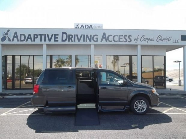 photo of 2016 Dodge Grand Caravan Sxt Vmi Northstar (infloor) Vmi